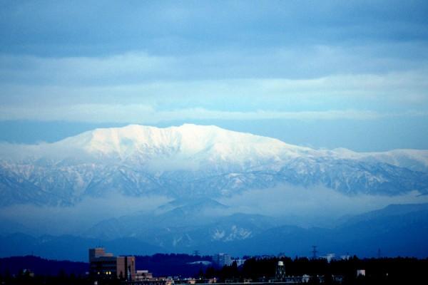立山の冠雪