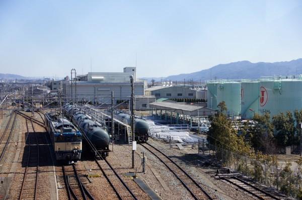 西上田駅に隣接する日本オイルターミナル