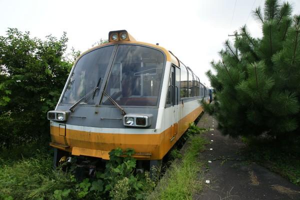 能登中島駅のNT802